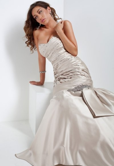 strapless prom gown 2010