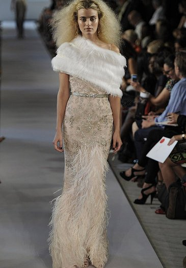 gorgeous beige prom dress 2012 oscar de la renta