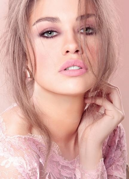 soft simple pink prom makeup 2014