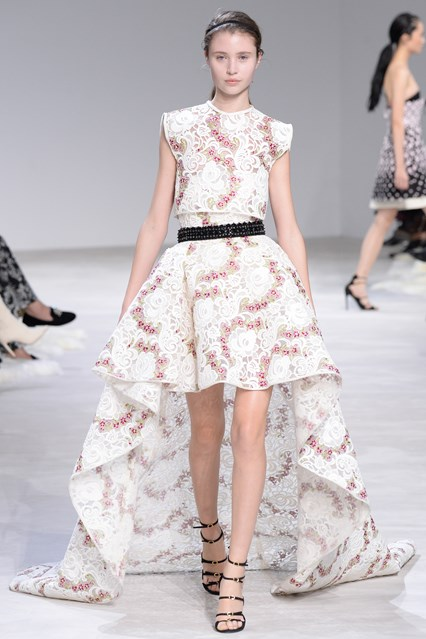 Giambattista Valli SS 2016 pretty white pink high low peom