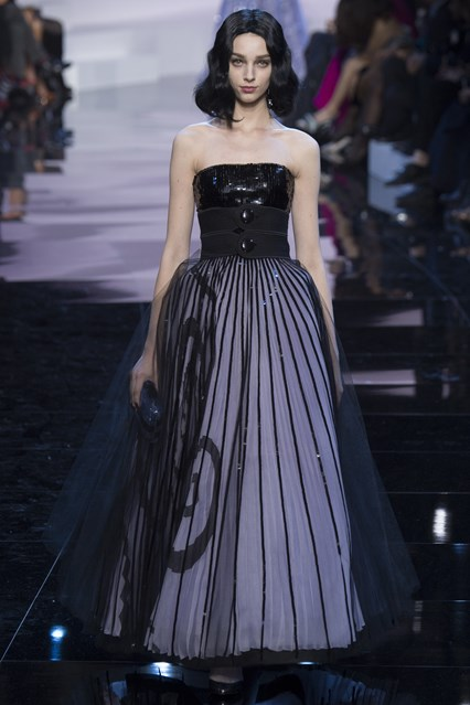 Giorgio Armani Prive SS2016 strapless black prom dress
